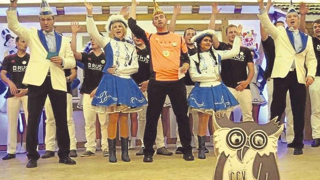 """Sebastian Stengritt, als """"Basti der Unbezwingbare"""", regiert in der Karnevalshochburg Cobbenrode. Foto: Erika Biskoping"""