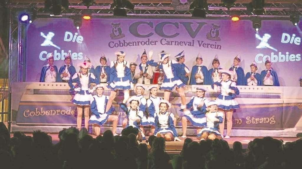 Beim Kinderkarneval präsentieren sich die jüngsten Jecken, hier die CCV-Sternchen.