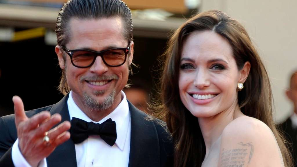 epa04372190 (FILE) A file picture dated 16 May 2011 shows US actors Brad Pitt (R) and Angelina Jolie (L) arriving for the screening of &#39The Tree of Life&#39 during the 64th Cannes Film Festival in Cannes, France. According to media reports on 28 August 2014, the spokesman for the Pitt confirmed that the couple got married in a private ceremony in France on 23 August 2014. EPA/CHRISTOPHE KARABA +++(c) dpa - Bildfunk+++