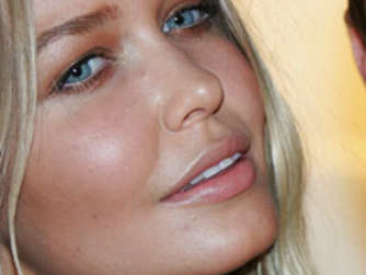 So sexy ist Cricket-Spielerfrau Lara Bingle