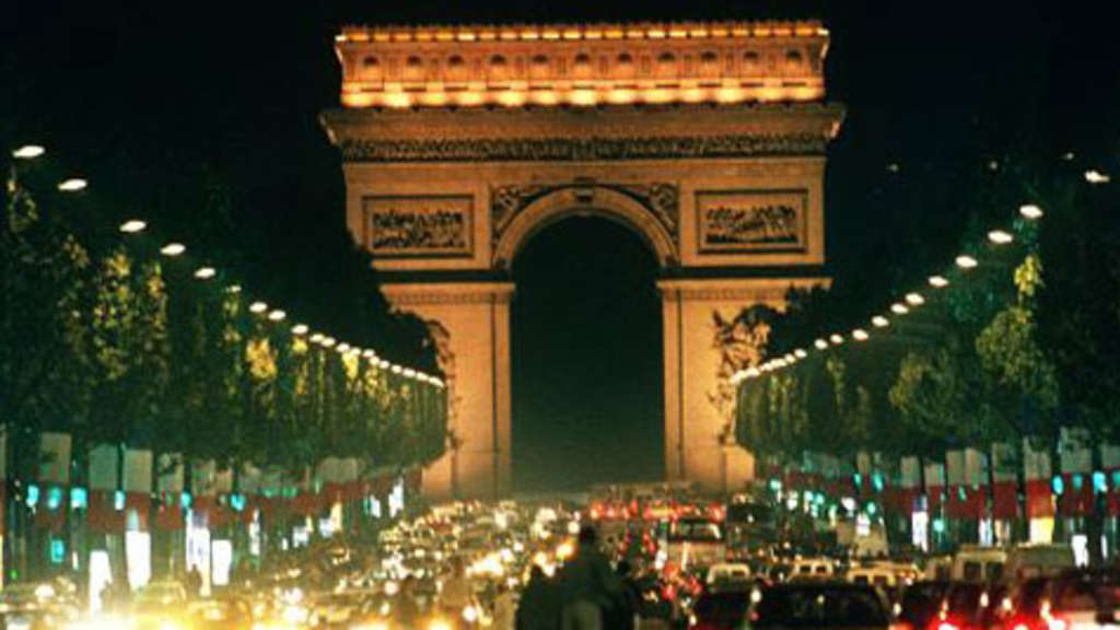 Paris Nacht Reise
