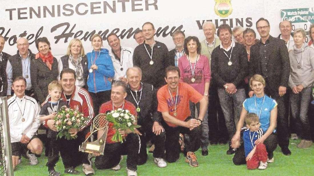 """Die Tennisspieler nahmen am """"Werner-Hennemann-Cup"""" teil."""