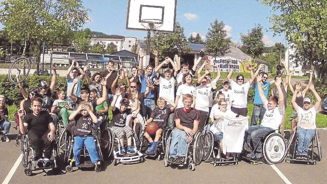 Die Rollstuhlbasketballmannschaft der Schule an der Ruhraue traf in Bad Fredeburg auf RBG Dortmund 51.