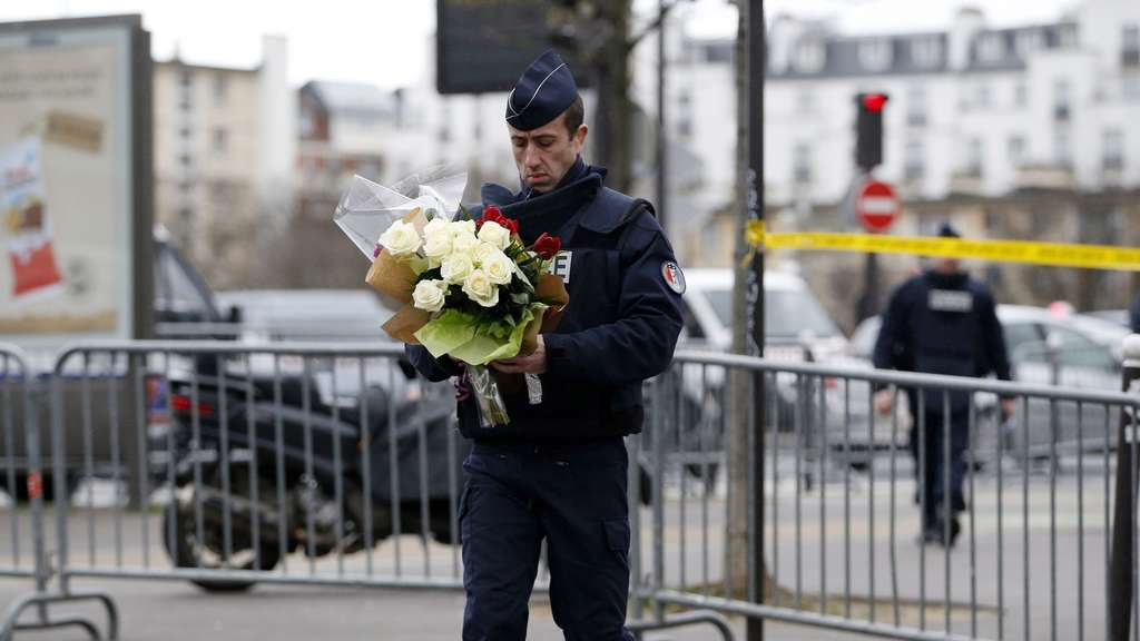 paris-blumen-afp