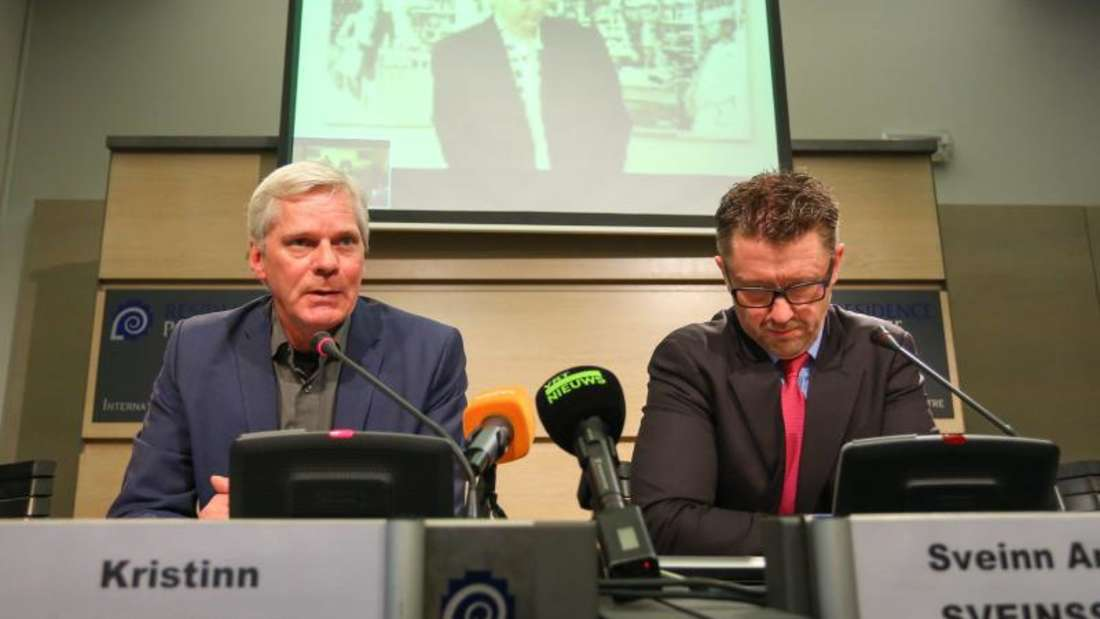 WikiLeaks-Sprecher Kristinn Hrafnsson (l) und Anwalt Sveinn Andri Sveinsson: Auch die Mails von Hrafnsson sind betroffen. Foto: Julien Warnand/Archiv