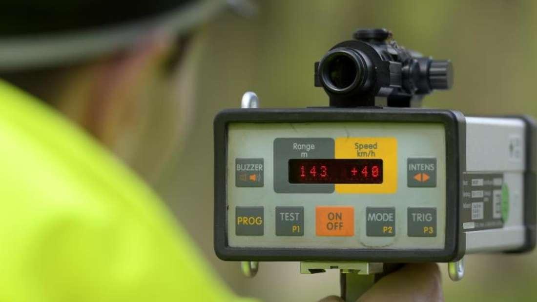 Wer mehr als 40 km/h zu schnell fährt, riskiert ein Fahrverbot. Das BGHsah es jedoch nicht als sinnvoll an, einen Widerholungstäter zweimal hintereinander damit zu bestrafen.Foto: Alexander Körner