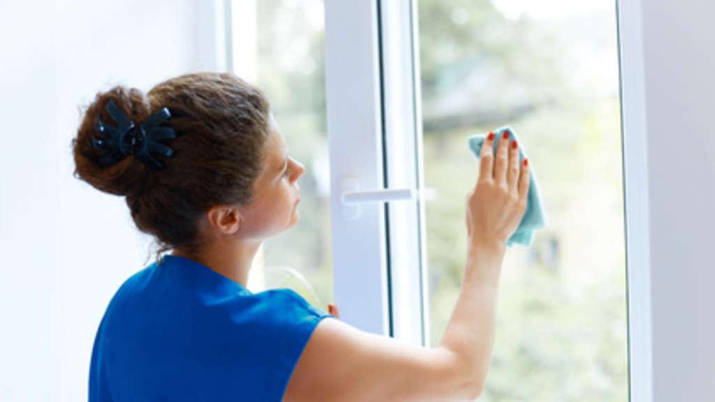 Klare Sicht – Tipps zum Fensterputzen ohne Schlieren | Leben