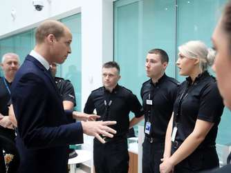 Prinz William besucht Polizei in Manchester