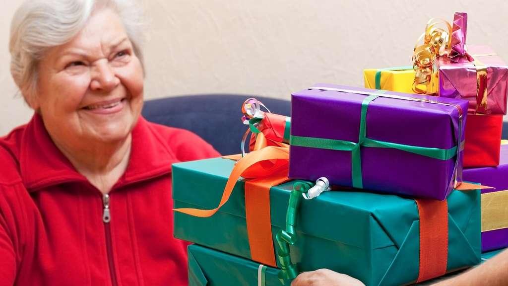 Kurier Weihnachtsaktion Leser Packen Geschenke Fur Senioren Ohne