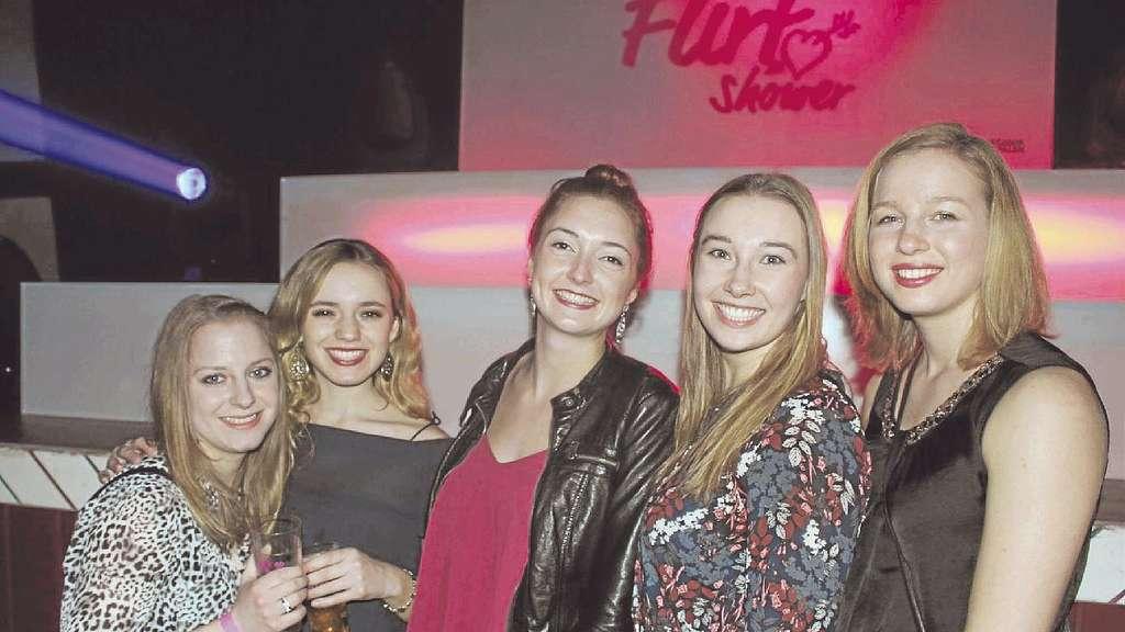 """Die Kult-Party """"Flirt-Shower Südsauerland"""" hat alles, was eine gute"""