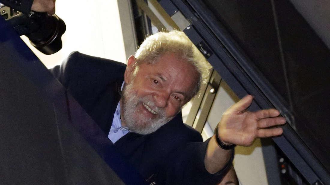 Der brasilianische Ex-Präsident Inácio Lula da Silva wehrt sich gegen den gegen ihn erlassenen Haftbefehl.