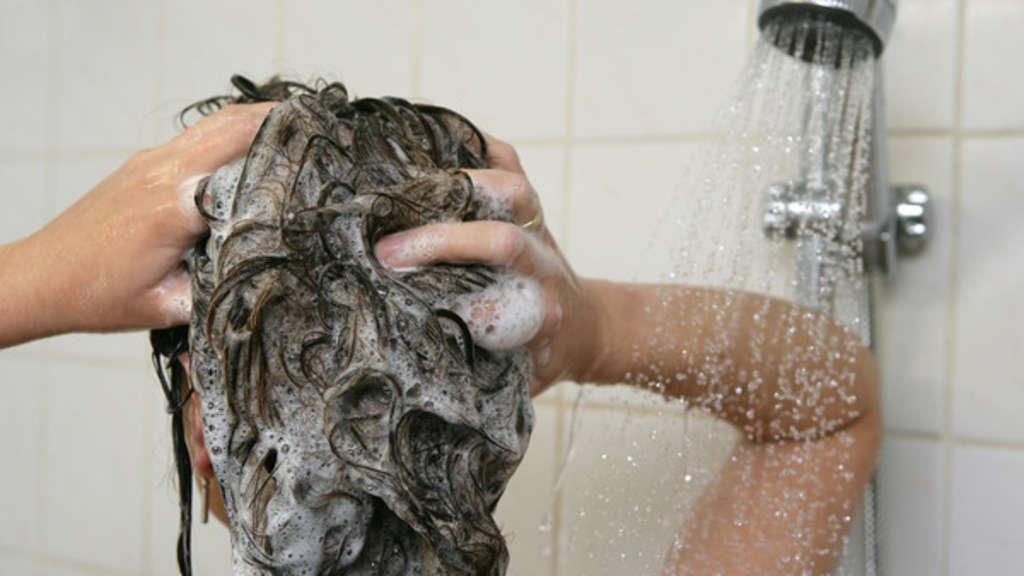 vergessen sie dieses k rperteil beim duschen drohen ihnen. Black Bedroom Furniture Sets. Home Design Ideas