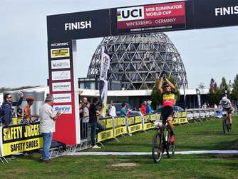 3000 Zuschauer beim UCI Mountain Bike Eliminator World Cup in Winterberg