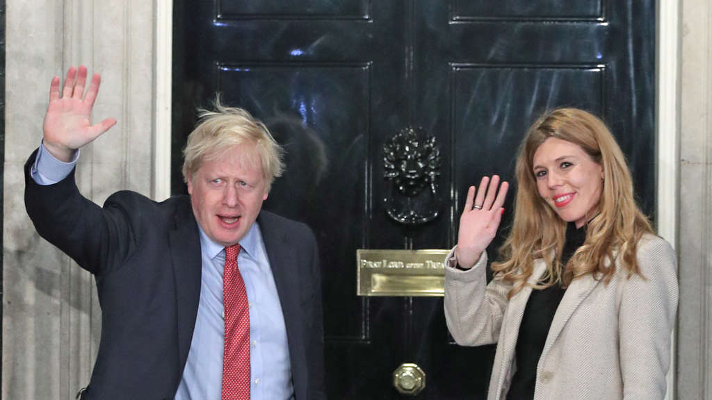 Johnson und Symonds in der 10 Downing Street in London