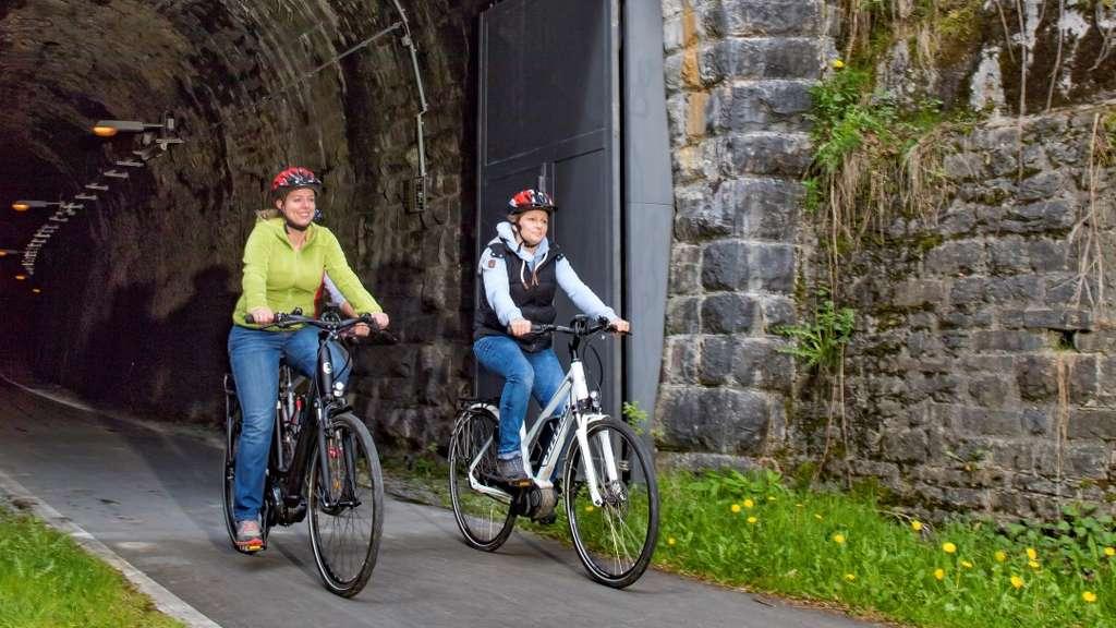 """Der """"Fledermaustunnel"""" ist ab Sonntag, 5. April, für Radfahrer, Skater und Fußgänger wieder geöffnet."""