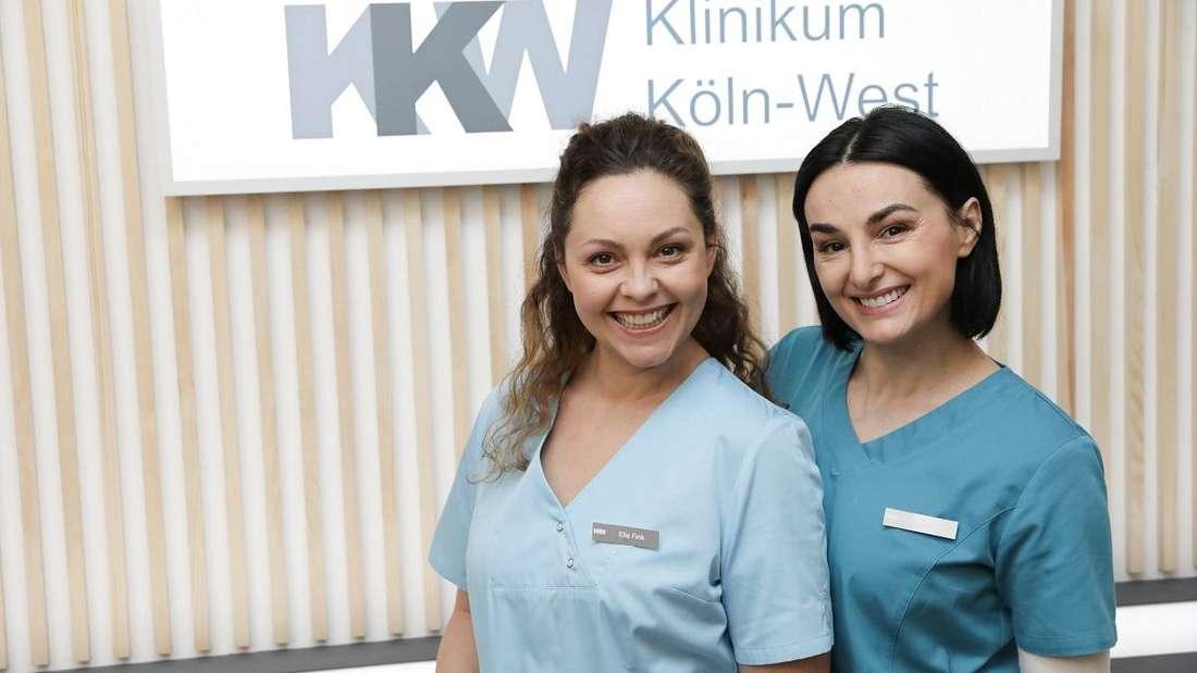 """Haben beide bereits die Huellen fallen lassen: Ines Quermann (links) und Mimi Fiedler (rechts) am Set der RTL-Serie """"Nachtschwestern""""."""