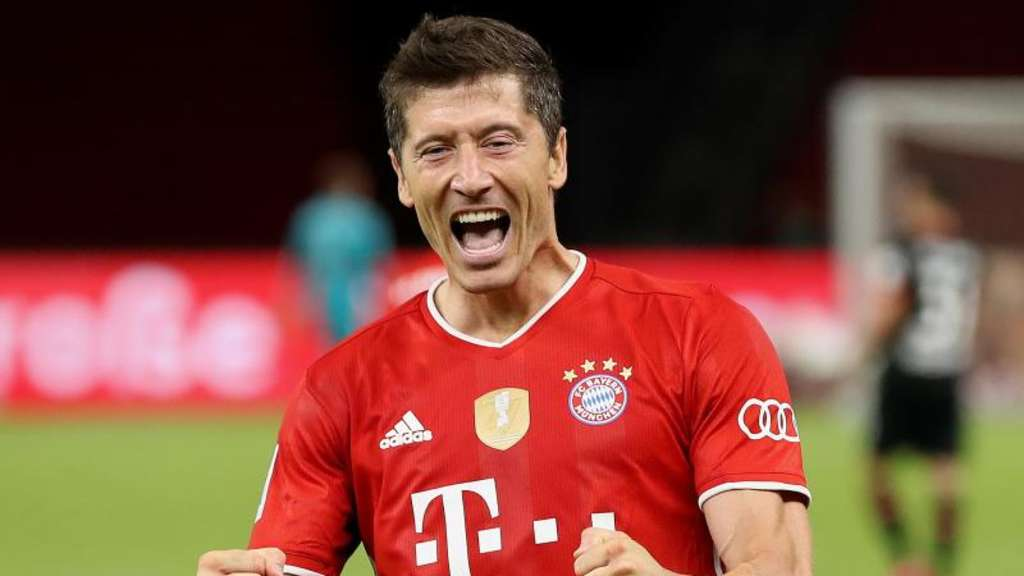 Hätte es nach Lothar Matthäus verdient an der Wahl zum Weltfußballer teilzunehmen: Robert Lewandowski. Foto: Alexander Hassenstein/Getty Images Europe/Pool/dpa