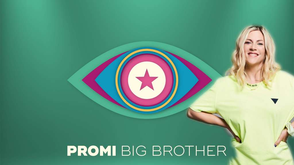 "Saskia Beecks steht vor dem ""Promi Big Brother""-Logo."