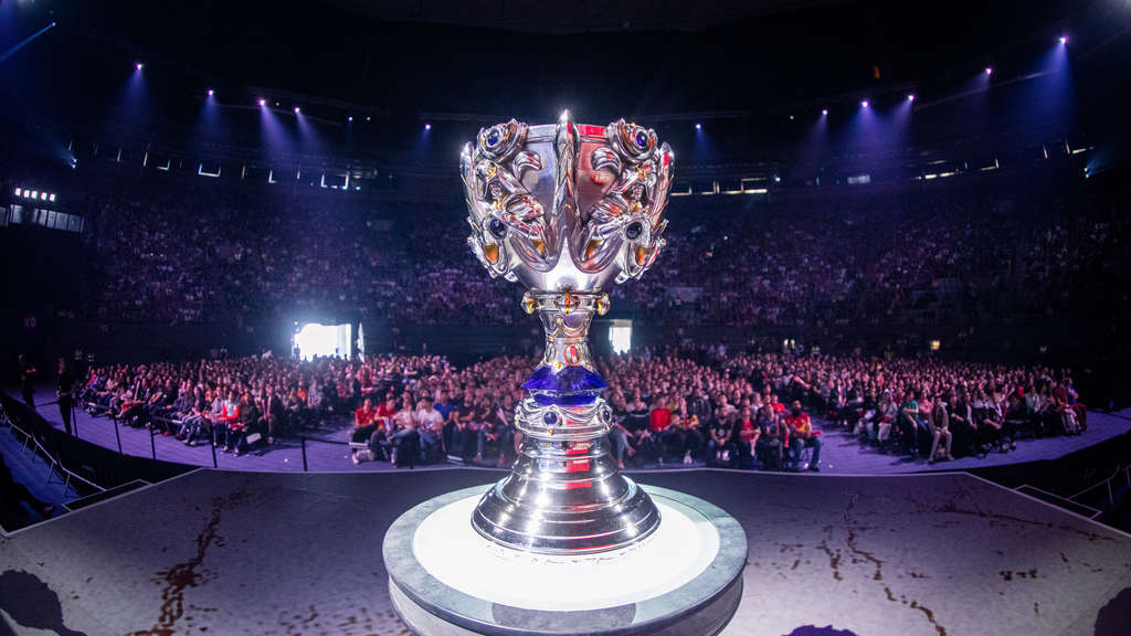 LoL-Worlds-2019-Summoners-Cup-Arena-Madrid