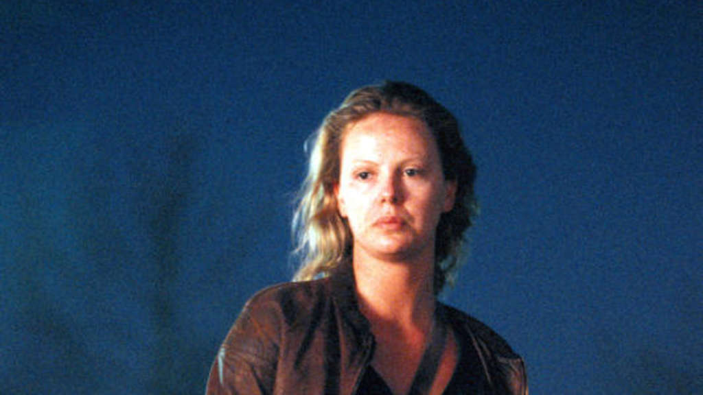 "Charlize Theron als Eileen Wuornos in ""Monster"" (2004)."