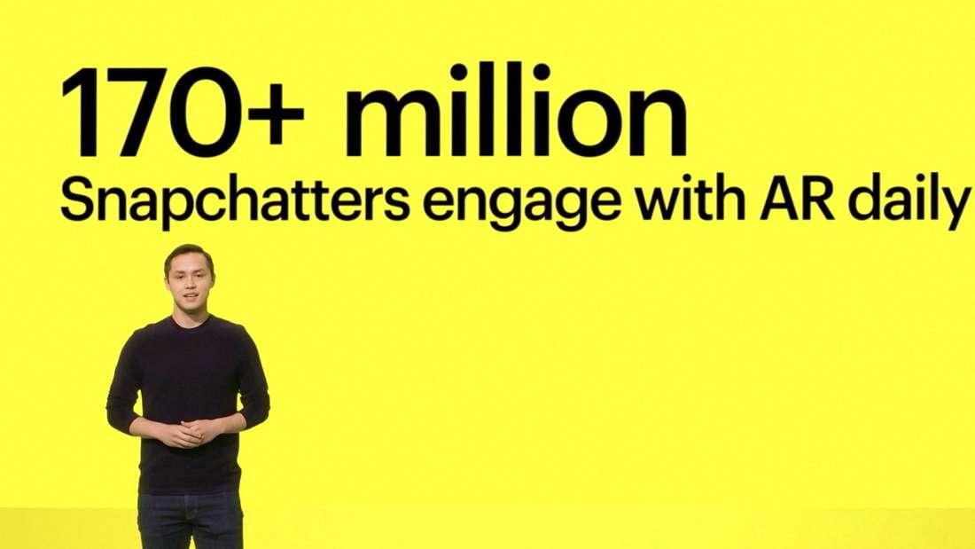 """Snapchat-Gründer Bobby Murphy spricht auf der Bühne des """"Virtual Snap Summit"""" 2020"""