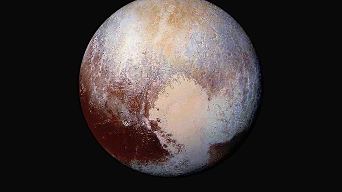 Ein riesiges Herz auf dem Zwergplaneten Pluto.